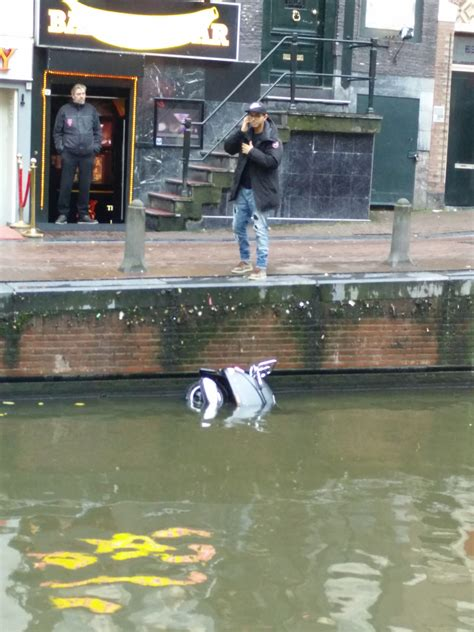 waterscooter grachten amsterdam dumpert nl ja hallo