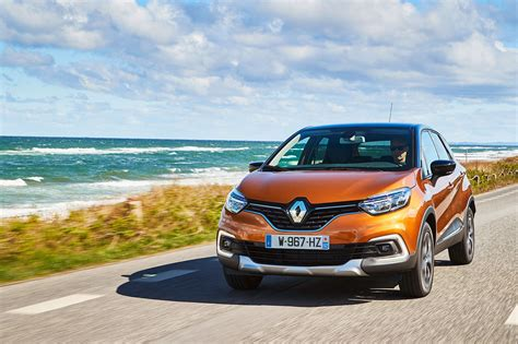 captur renault 2017 renault captur signature s nav tce 120 2017 review by