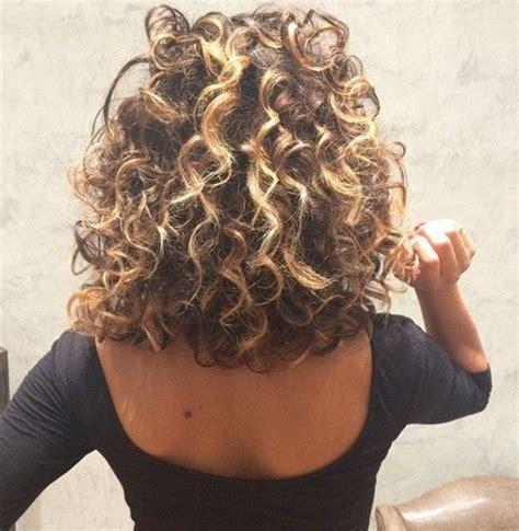 loose curled perms as 25 melhores ideias de loose curl perm no pinterest