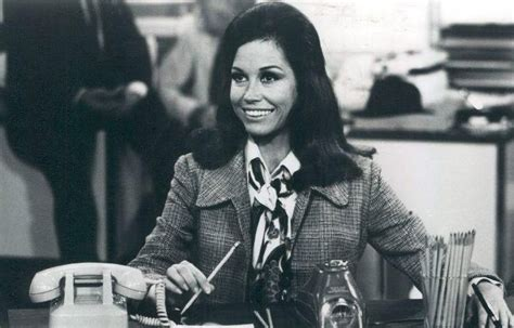 25 best ideas about mary tyler moore show on pinterest file scene 1 from the mary tyler moore show 1977 jpg
