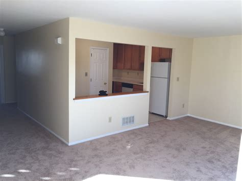 1800 2br 2bt condo with finished basement in