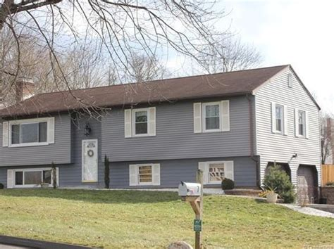 houses for sale cromwell ct cromwell real estate cromwell ct homes for sale zillow