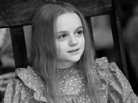 voice of china doll in oz the great and powerful joey king plays china in oz the great and powerful