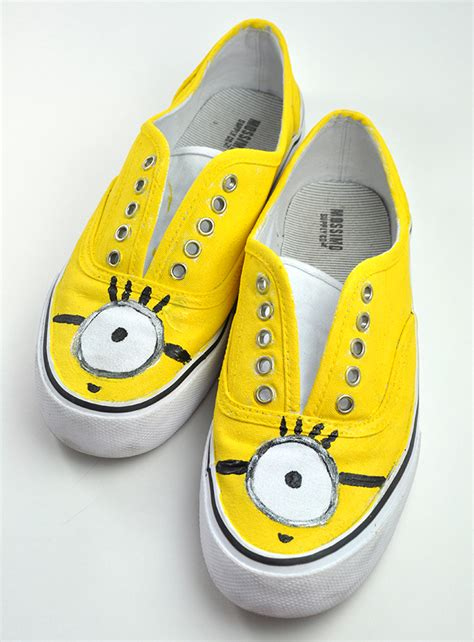 diy minion shoes creative minions crafts and treats oh my creative