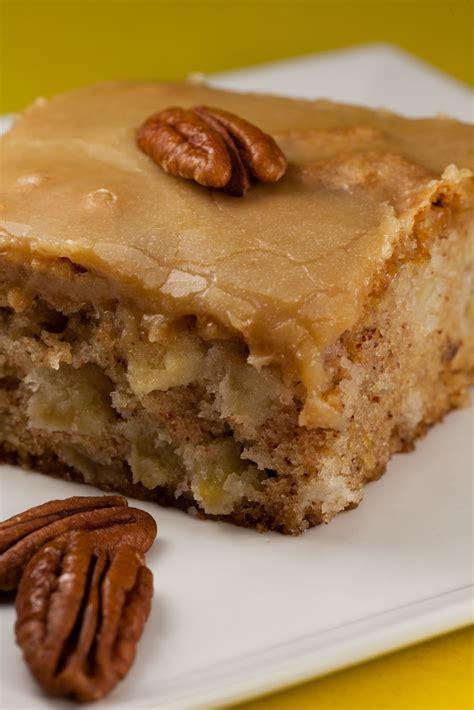 apple cake kruizing with kikukat feels like fall fresh apple cake