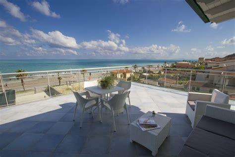 sicilia appartamenti sul mare appartamenti sicilia sul mare vai sul sicuro con costa d