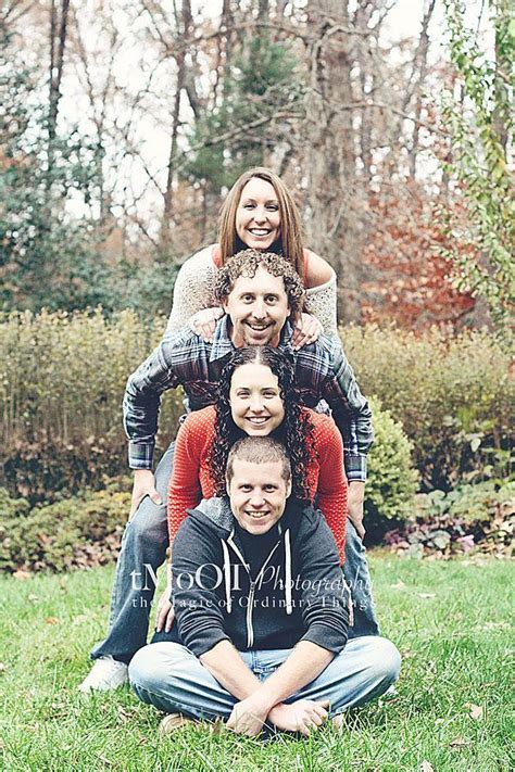 17  best ideas about Adult Family Poses on Pinterest