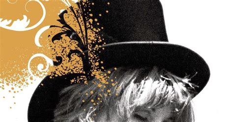 gold dust the biography of stevie nicks books fleetwood mac news gold dust a biography of stevie