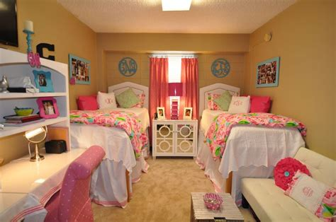 lilly pulitzer room martin ole miss college days rooms lilly pulitzer and martin o