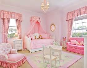 Princess Bedroom Decorating Ideas by 1000 Images About Disney Princess Academy Rooms On