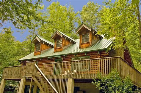 2 bedroom cabins in pigeon forge tn pigeon forge cabins gatlinburg cabins
