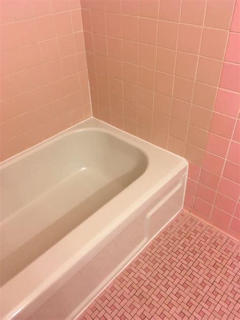 refinishing bathtubs reviews ak bathtub refinishing 21 photos 16 reviews
