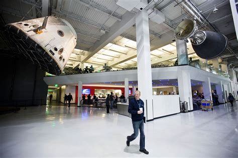 Spacex Office Building Where To Land Spacex S Recovered Falcon 9 Rocket Stage For