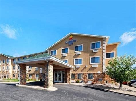 Best Price On Comfort Inn Wisconsin Dells Hotel In