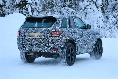 land rover defender 2020 spyshots 2020 land rover defender makes debut as petite