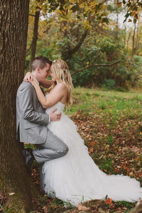 wedding poses on pinterest wedding pictures wedding chrissy justin rustic perkasie barn wedding couples