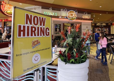 unemployment falls to 4 6 percent marking 9 year low