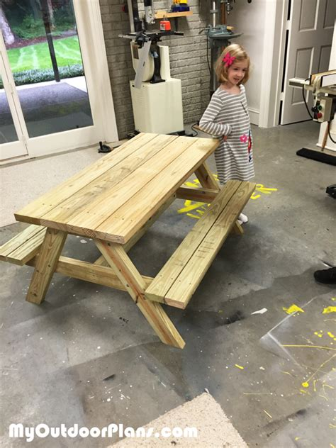 diy children picnic table myoutdoorplans