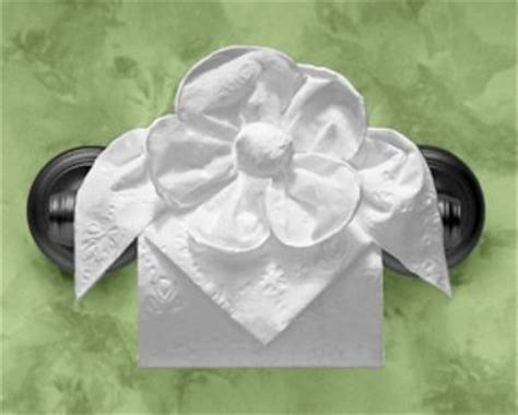 Toilet Paper Origami Flower - 36 best images about tolegami toilette paper origami on