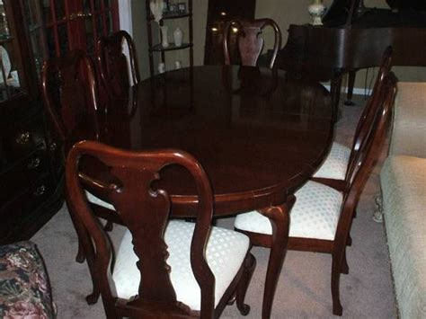 thomasville cherry esszimmer set 17 best images about furniture on cl on