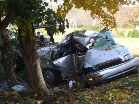 how to find out about recent car accidents pictures of fatal car accidents with bodies inside the