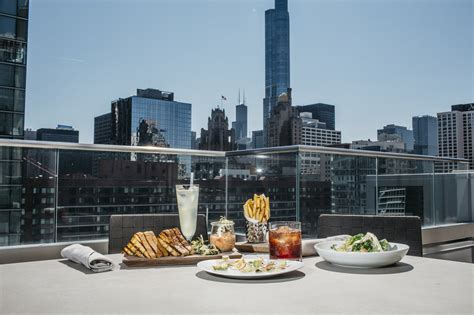 Roof Top Bars In Chicago by Meet Chicago S 40 Plus New Rooftops And Patios Of 2016