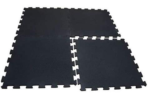 pavimenti in gomma per palestre scopri il pavimento palestra piastrelle in gomma e in rotolo