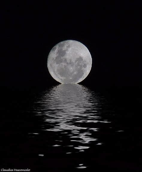 imagenes en blanco y negro de la luna negro sobre blanco luna llena en navidad