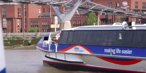 thames clipper drinks video what s it like taking an mbna thames clipper