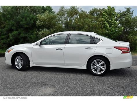 nissan altima white 2010 pearl white 2013 nissan altima 2 5 sv exterior photo