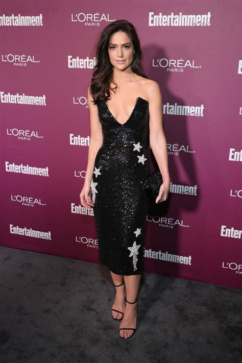 madchen amick lily james emmy weekend is here see photos from the annual ew pre