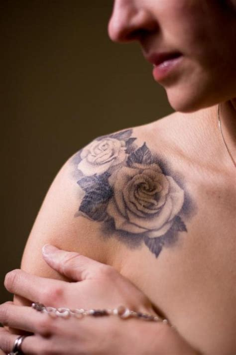 69 Graceful Roses Shoulder Tattoos Shoulder Tattoos Pictures