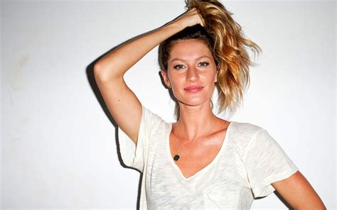 Is Gisele Bundchen by Gisele Gisele Bundchen Wallpaper 32437636 Fanpop