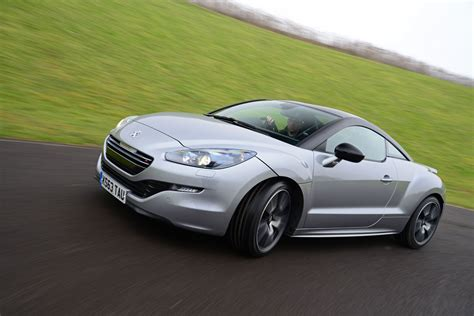 peugeot convertible rcz peugeot rcz coupe pictures carbuyer