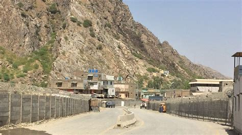 news afghanistan border guard killed in pakistan afghanistan clashes news