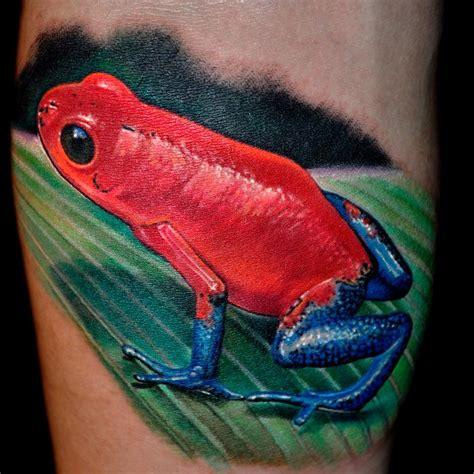 nate beavers tattoo strawberry dart frog by nate beavers tattoonow