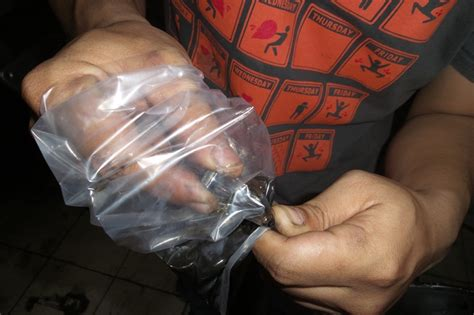 bersihkan kabel kopling pakai pelastik es dan oli gilamotor
