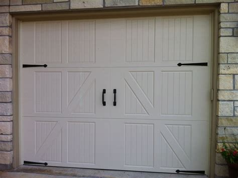 Doors Without Windows Carriage Style Garage Doors Cedar Park Overhead Doors