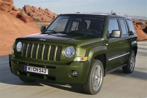 by emarketing posted in jeep jeep patriot new cars on monday 2014 jeep patriot new car review autotrader autos post