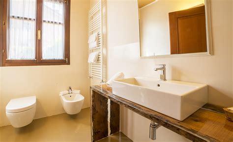 eck badezimmer eitelkeit mit waschbecken wc schrank free schrank with wc schrank top wc schrnke