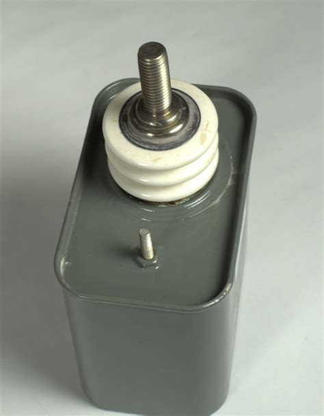series capacitor voltage s series capacitors can economical package general purpose capacitors nwl