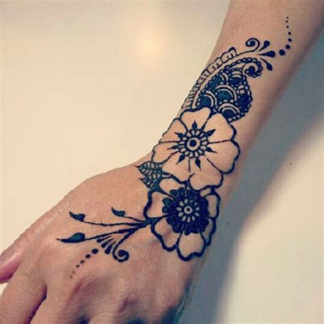 flower henna tattoo on hand the world s catalog of ideas