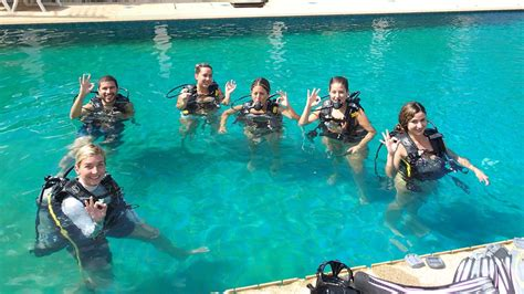how to dive do i need to how to swim to scuba dive aussie