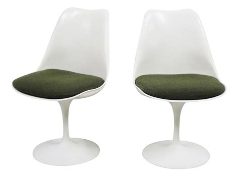 early pair of alcoa eero saarinen for knoll swiveling