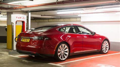 Mpg For Tesla Tesla Model S Hatchback Mpg Co2 Insurance Groups Carbuyer
