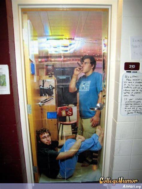 college dorm room door open  closed design
