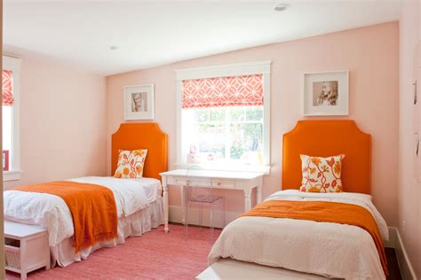 Orange Bedroom | colors that make orange and compliment its tones
