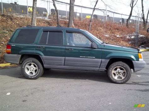 jeep cherokee green 2000 2000 jeep laredo forest green pearlcoat 1996 jeep grand