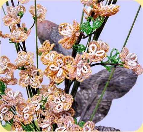 fiori di pesco bomboniere dettaglio mazzo fiore di pesco perline fiorellini gemme