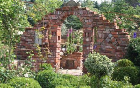 Mauern Im Garten Anlegen 2594 by Alte Mauern Im Garten Gartenmauer Selber Bauen Anleitung